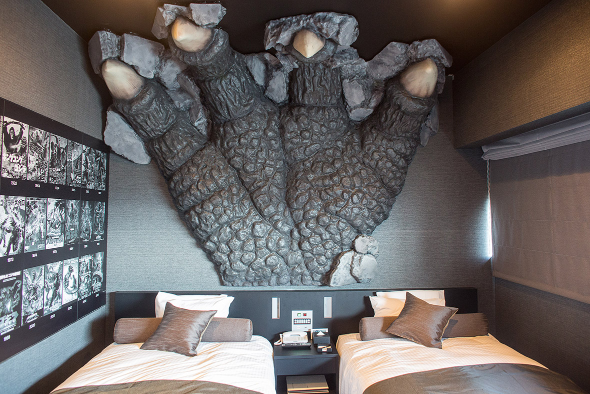 http://d.ibtimes.co.uk/en/full/1433708/godzilla-tokyo-hotel.jpg