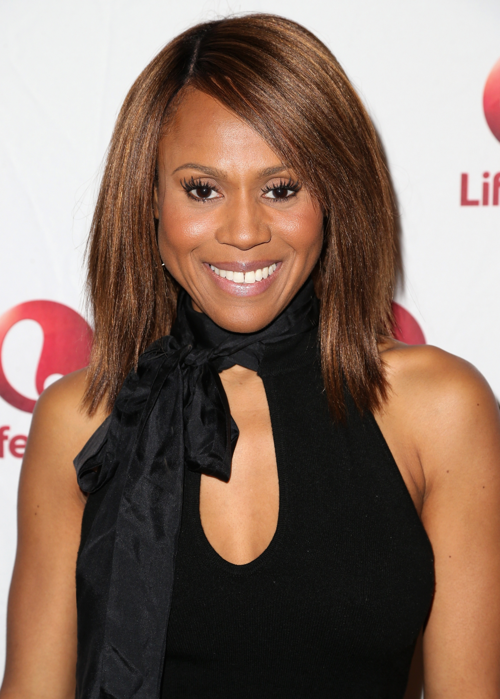 Bobbi kristina brown deborah cox praying for miracle to for Cox houston