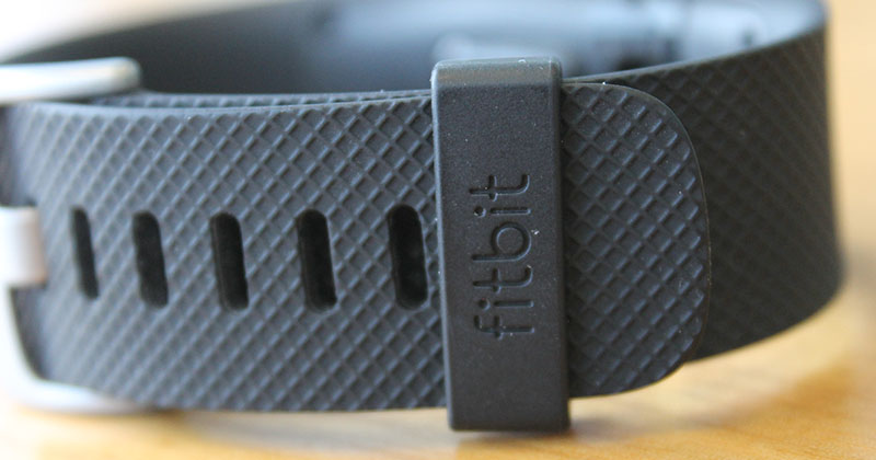 how to change time on fitbit tracker