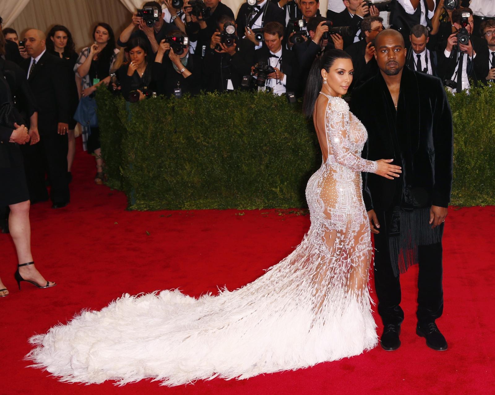 Kim Kardashian Accused Of Copying Beyonce S 2012 Met Gala