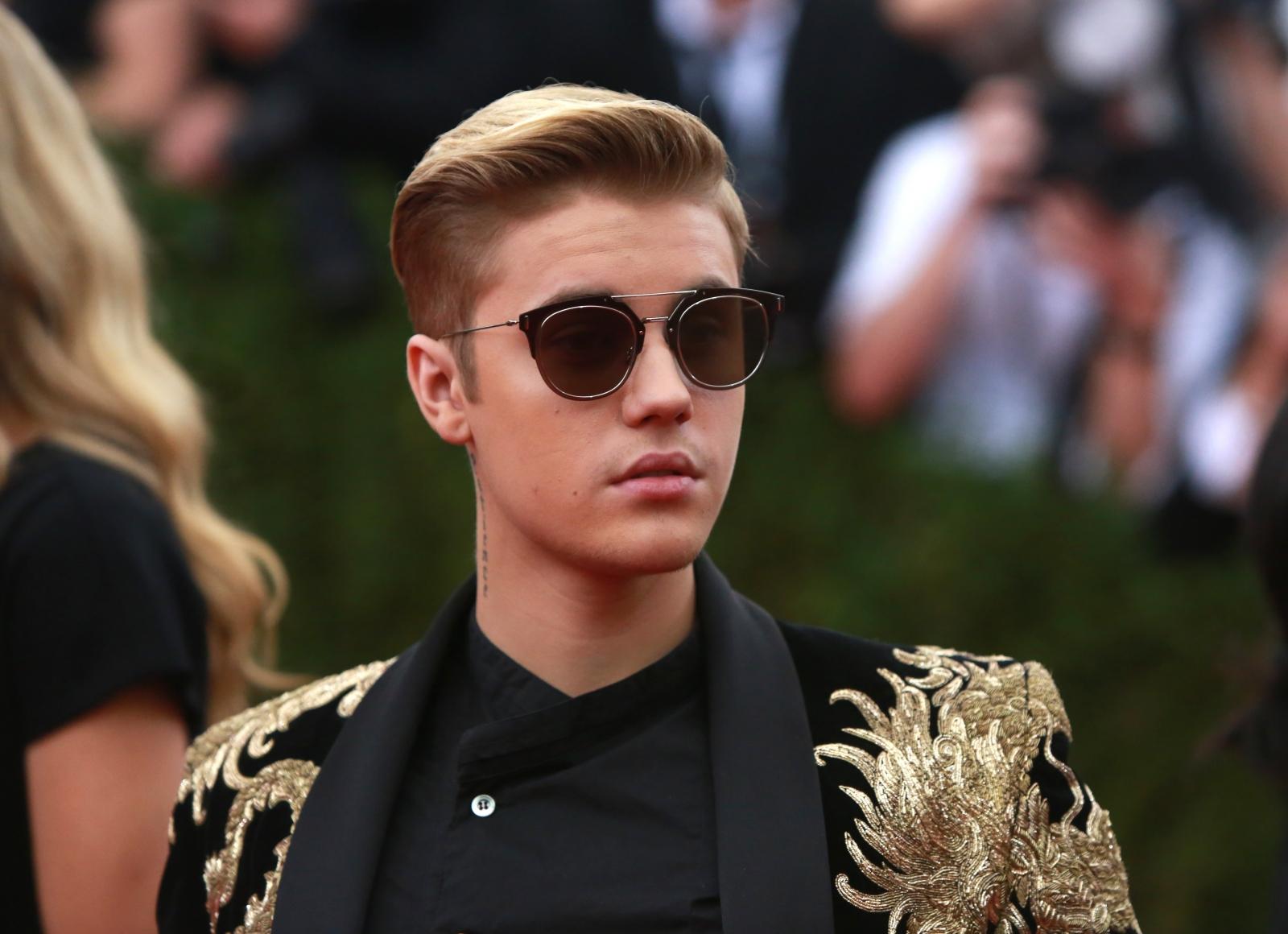 Justin Bieber Dating Website