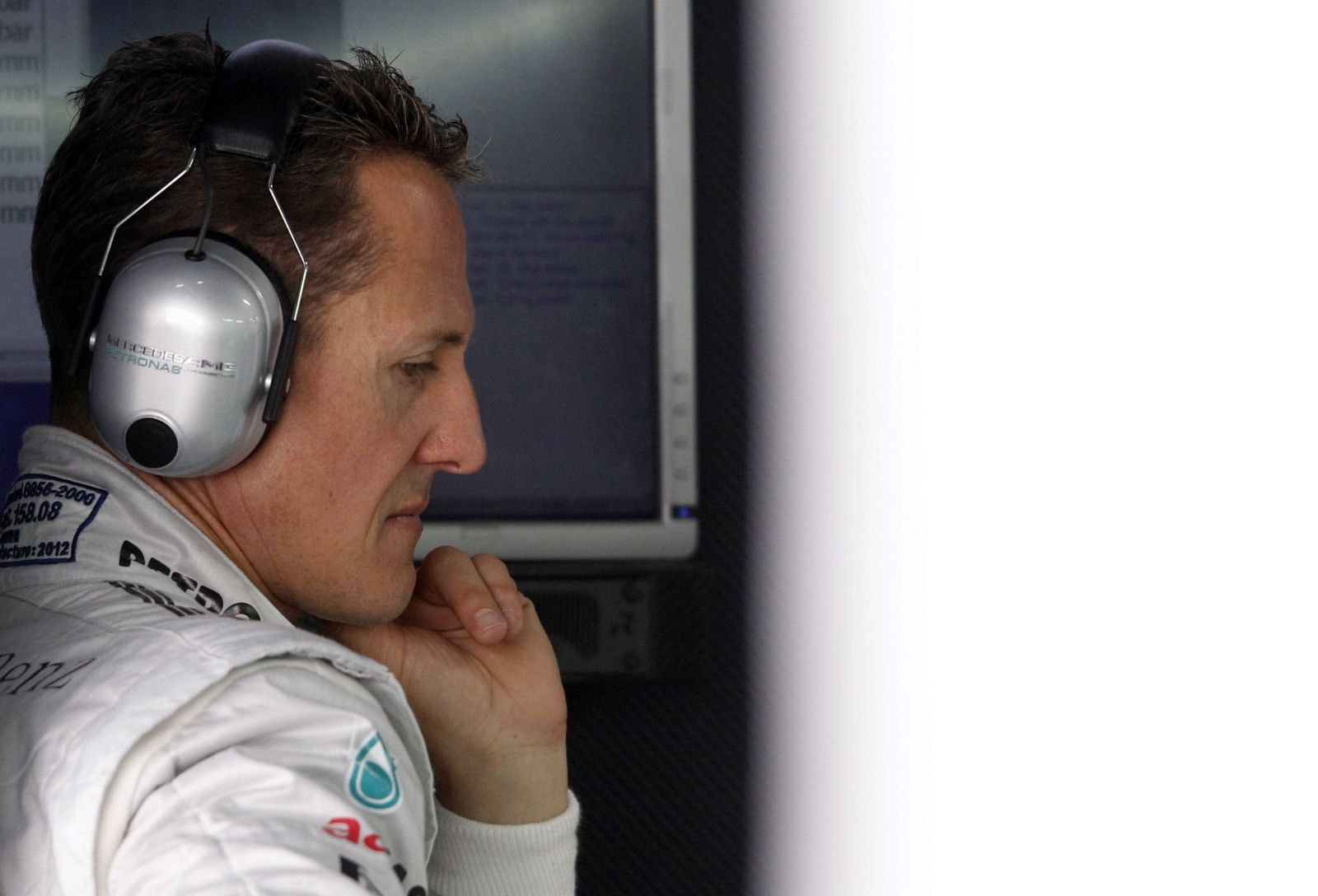 The Swiss neurosurgeon believes that Schumacher has little chance of a full recovery. 20.06.2014 43