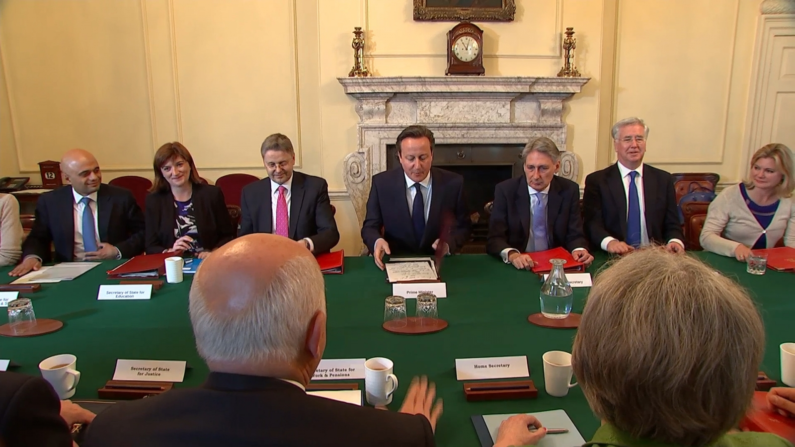 David Cameron holds first all-Tory cabinet meeting since election ...