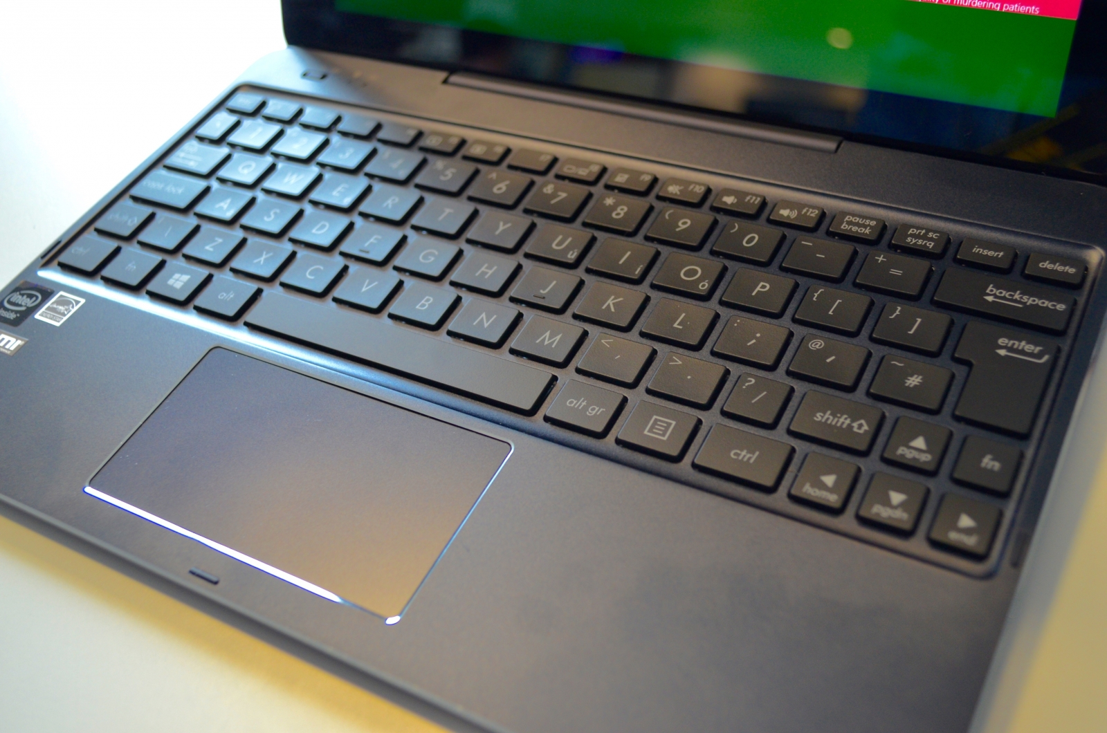Asus transformer book chi t100 review a windows 8 tablet to replace your laptop - Asus transformer t100 ports ...