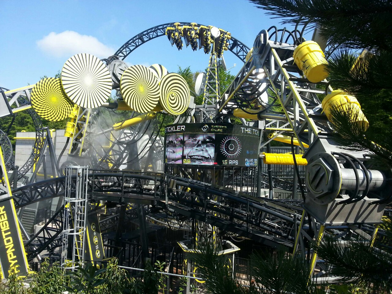 Alton towers crash 39 blood everywhere 39 after smash on 14 for Top pictures of the day