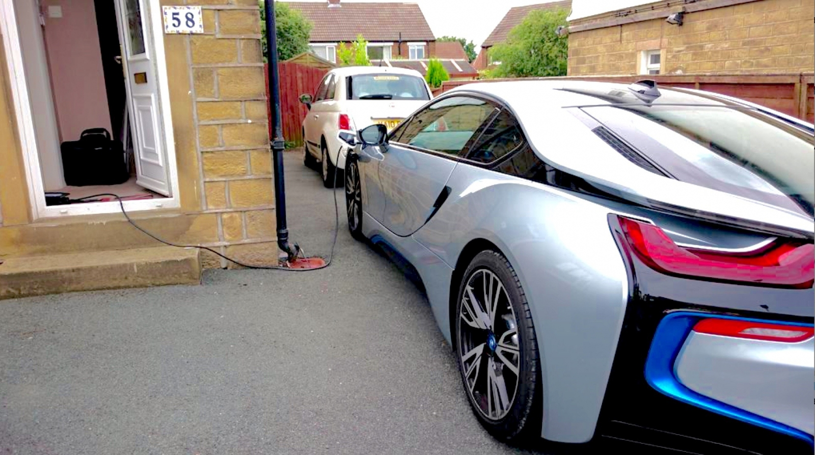 Bmw I8 Review Driving The Hybrid Sports Car Of The Future