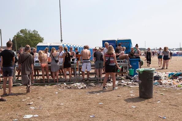Di festival musik Roskilde pengunjung diajak untuk mendonasikan urine mereka untuk dijadikan minuman beralkohol