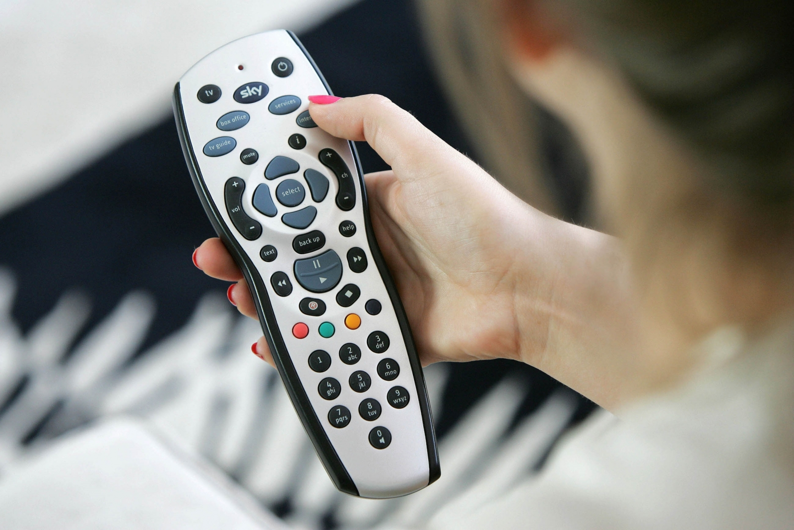 how to get netflix on sky tv box