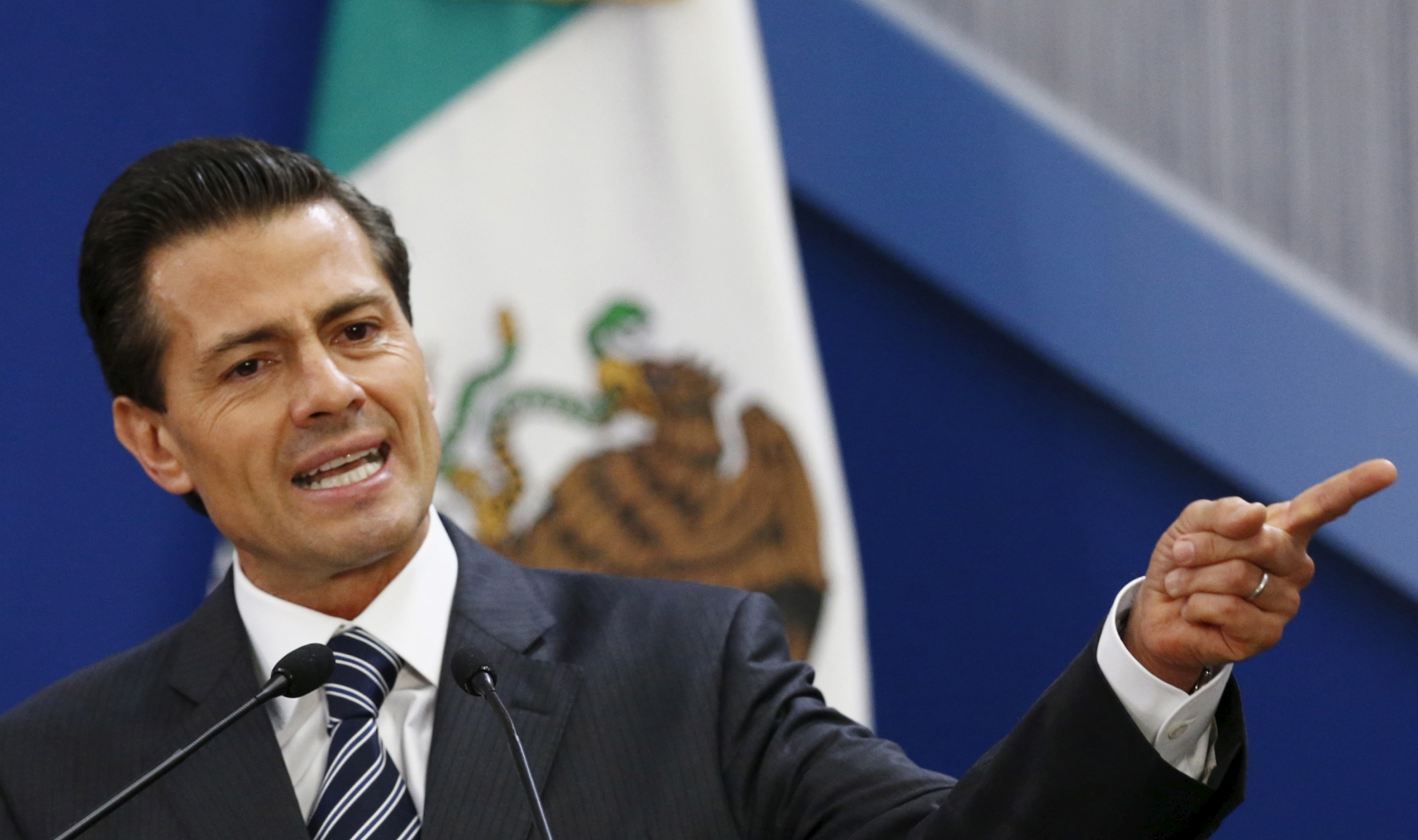 mexico  president enrique pe u00f1a nieto shuffles cabinet  removes six ministers
