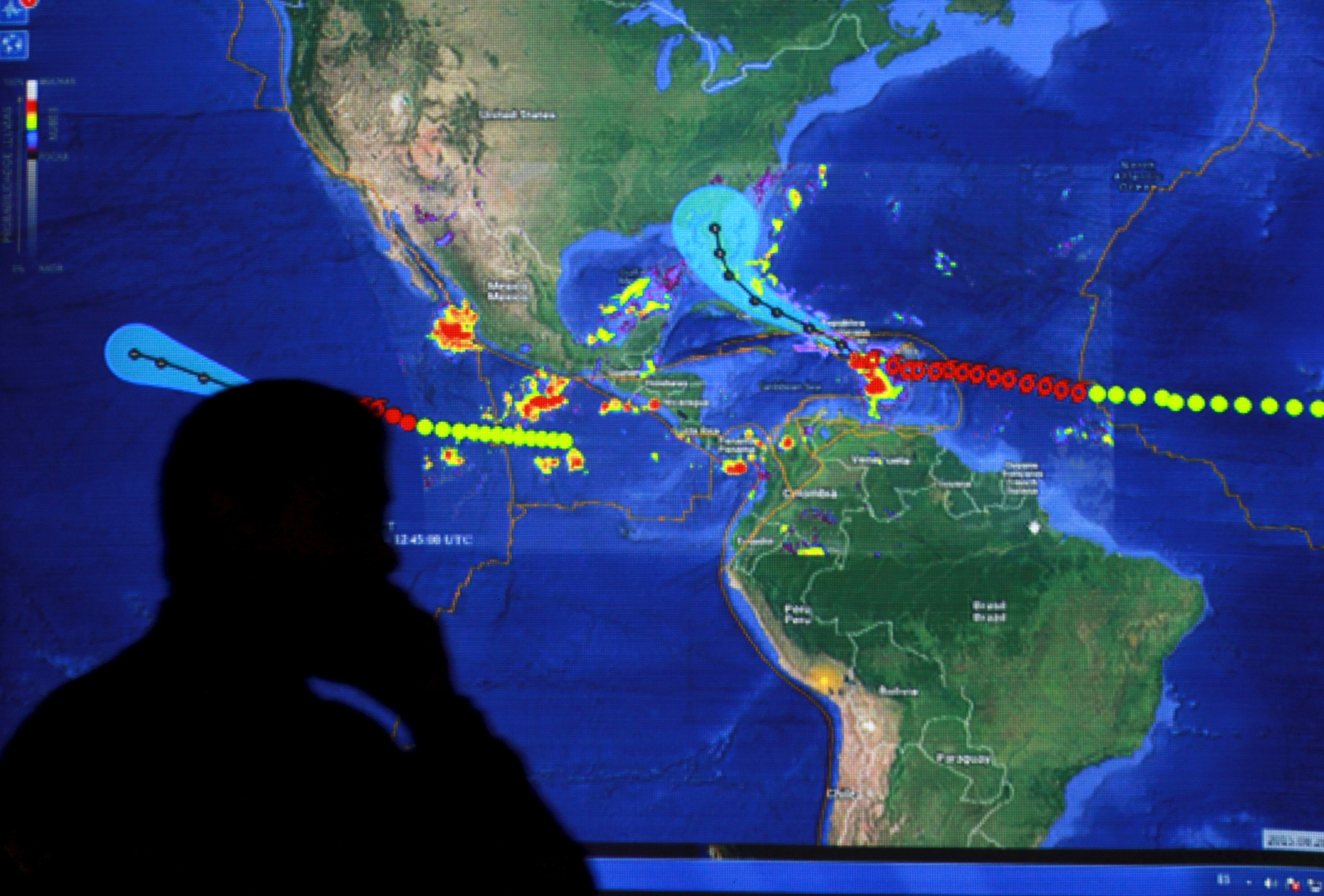 Tropical storm Erika: 20 dead in Dominica as cyclone edges towards ...