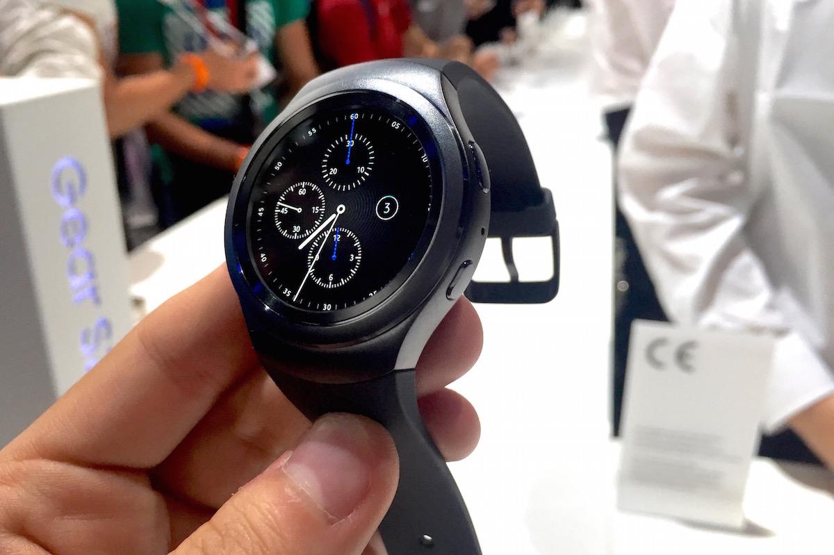 Samsung Gear S2 hands-on: Second time around, Samsung ...