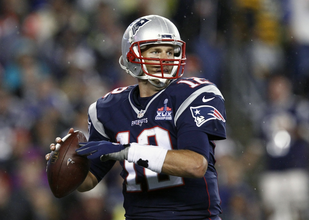 ... Patriots quarterback Tom Brady endorses Donald Trump's White House bid