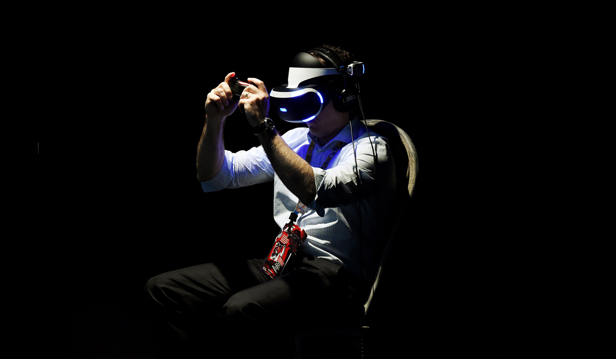 ces 2016 playstation vr has over 100 games in the works says ceo kaz hirai. Black Bedroom Furniture Sets. Home Design Ideas