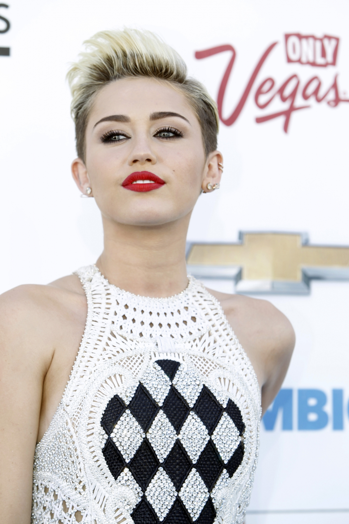 Miley Cyrus was 'not trying to upset Jodie Sweetin' by ... Miley Cyrus