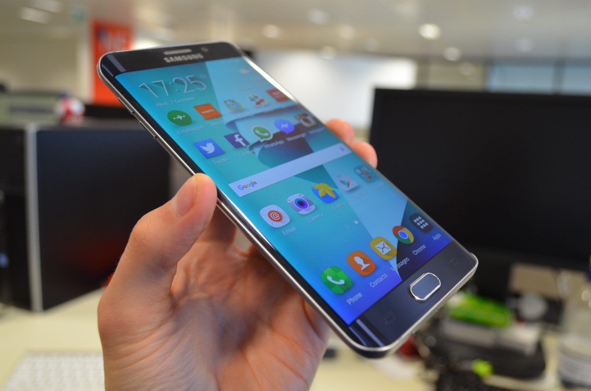 Samsung Galaxy S6 Edge Plus review: Big and beautiful but ...