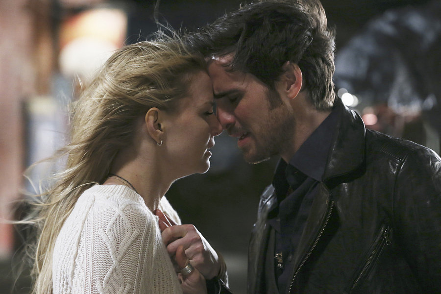 once upon a time emma and hook season 3 This article contains episode summaries for the third season of once upon a plot synopsis: having been pulled into zelena's time portal, emma and hook.