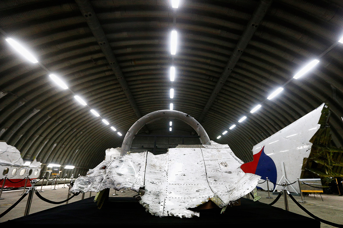http://d.ibtimes.co.uk/en/full/1463376/mh17-wreckage.jpg