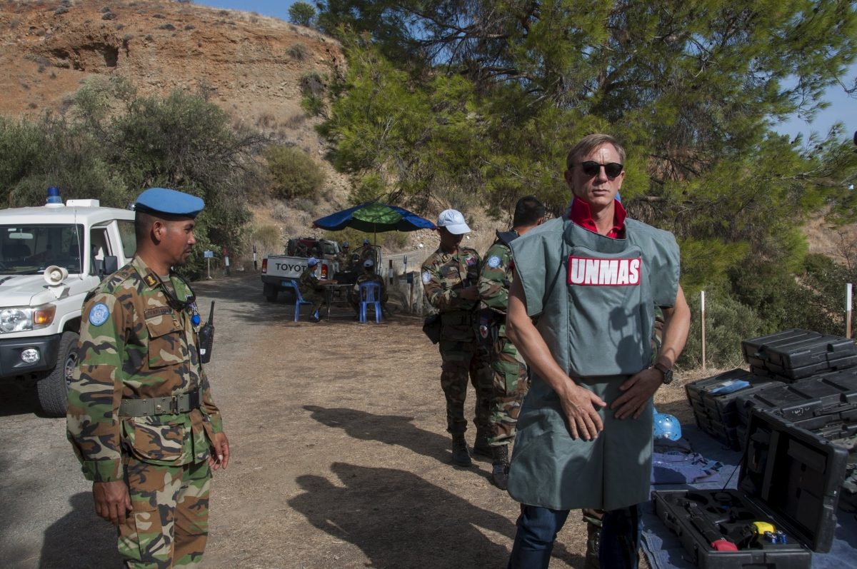 Cyprus: Bond star Daniel Craig advocates end to land mines