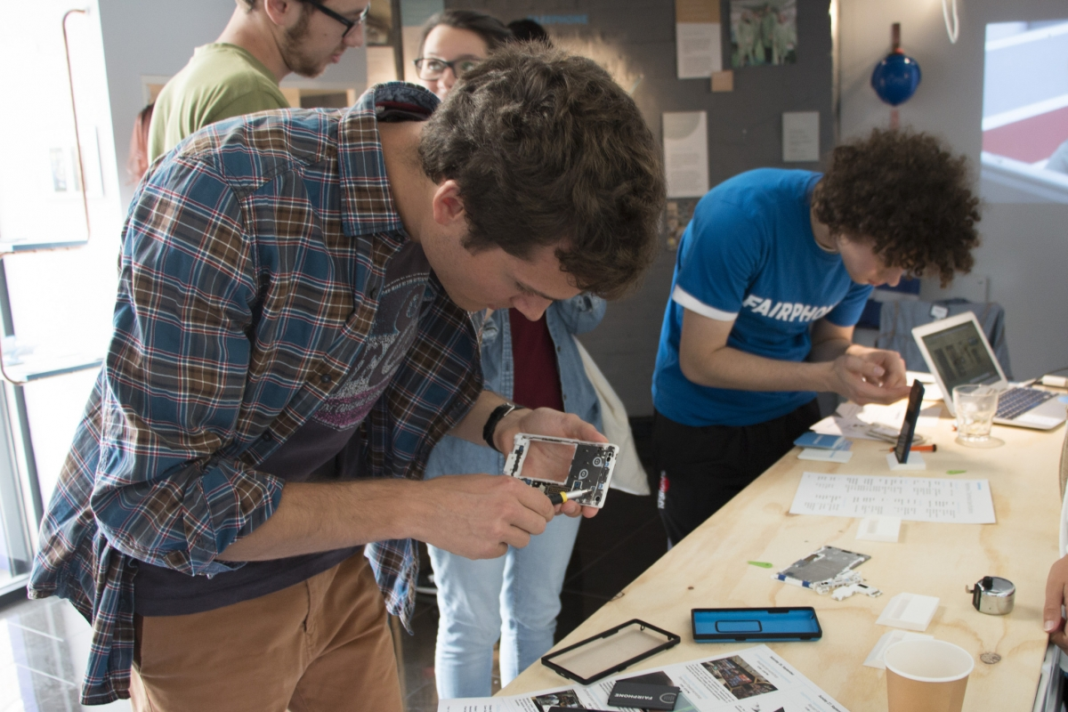 Google's Project Ara delayed making Fairphone 2 the world ...