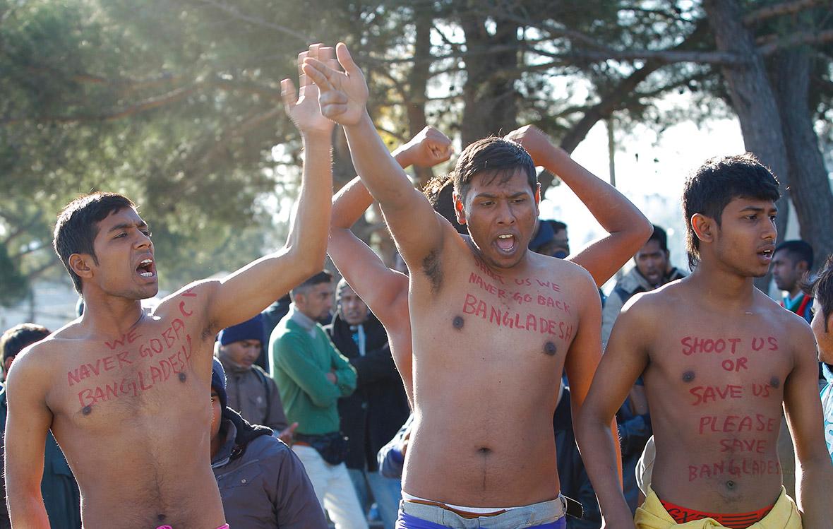 Macedonia: Migrants re...