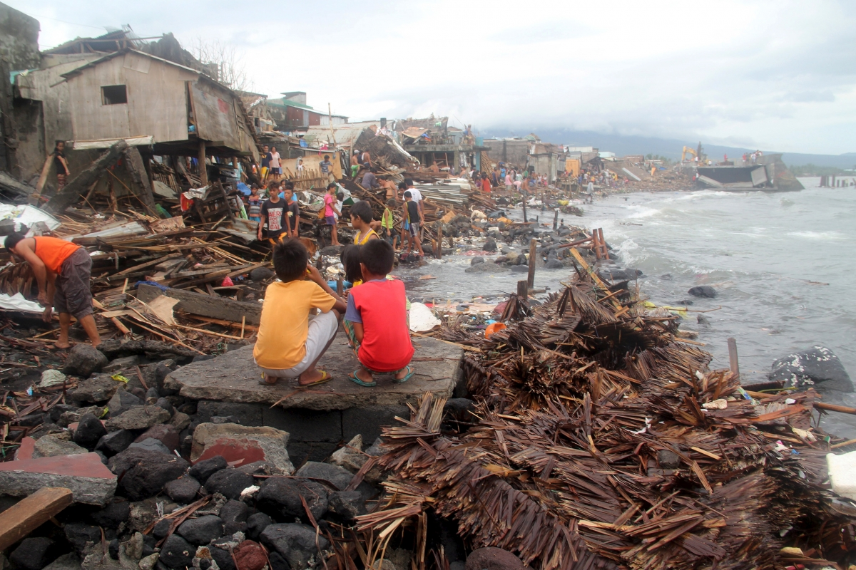 typhoon sendong in the philippines Typhoon nitang (ike) hit central philippines on aug 31, 1984, killing 1,363 people 4 typhoon sendong (washi) hit the northern part of mindanao island on dec 16, 2011, killing at least 1,080 people.