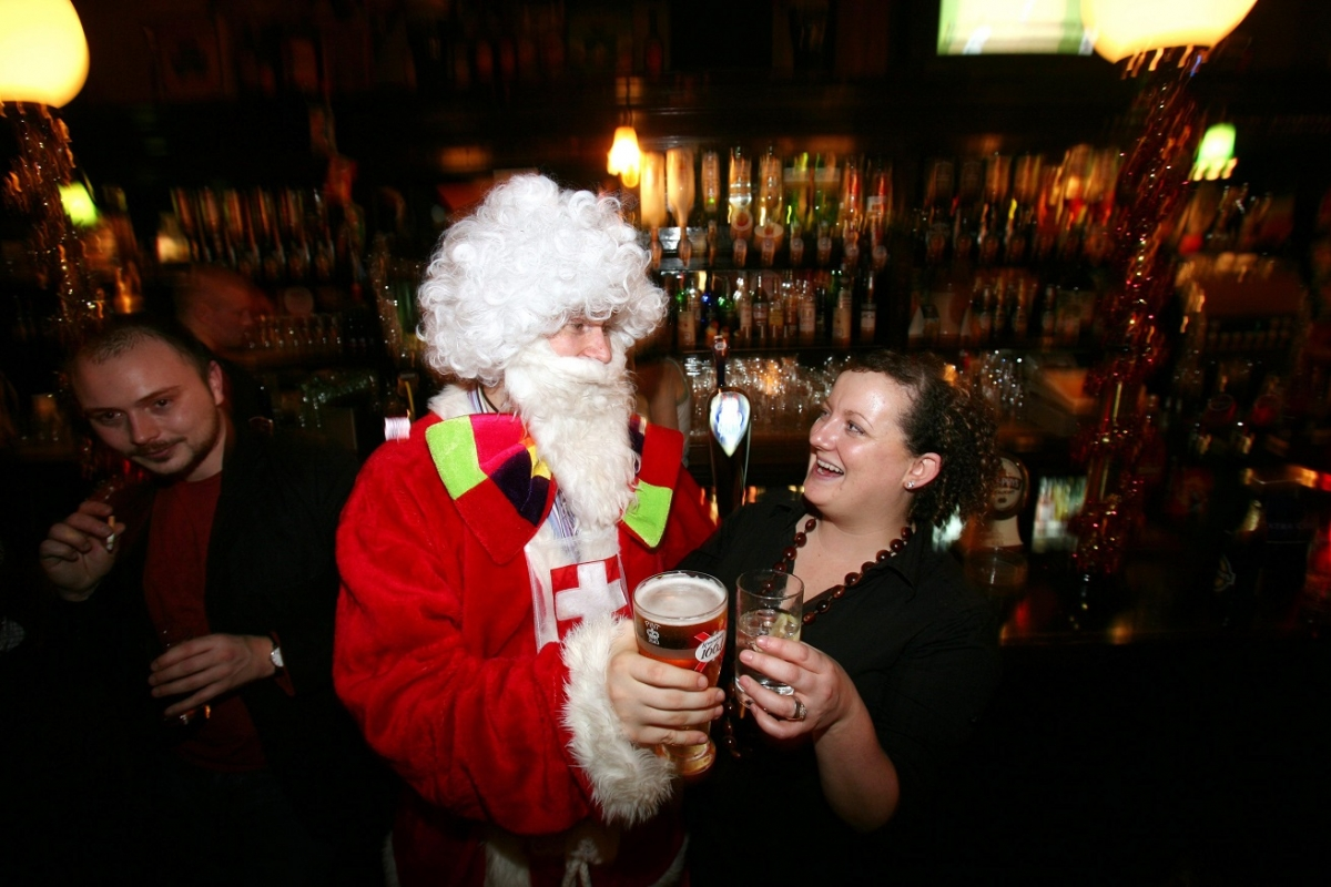 Revealed: The 10 Dos And Don\'ts Of An Office Christmas Party ...