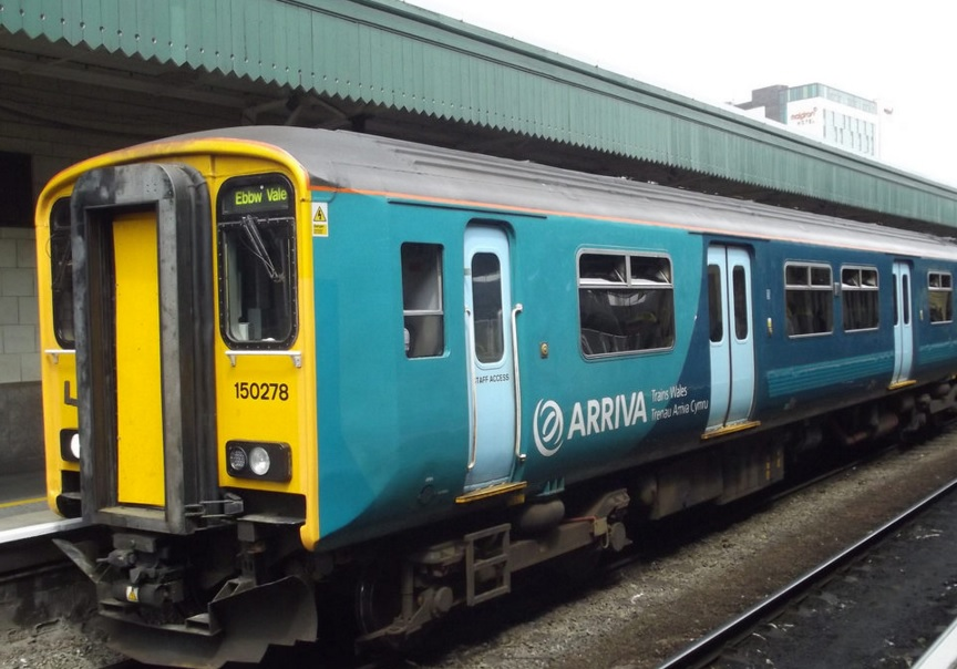 Arriva Trains Wales Trains At Cardiff Central - Monday 9th ...