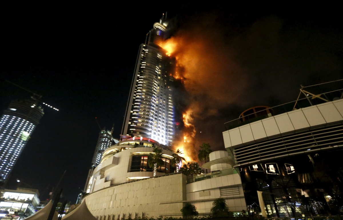 Dubai address hotel inferno new year 39 s eve revellers flee for Address hotel dubai