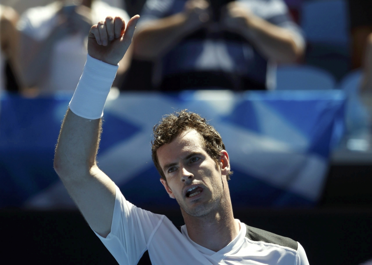 Andy Murray celebrating first round win