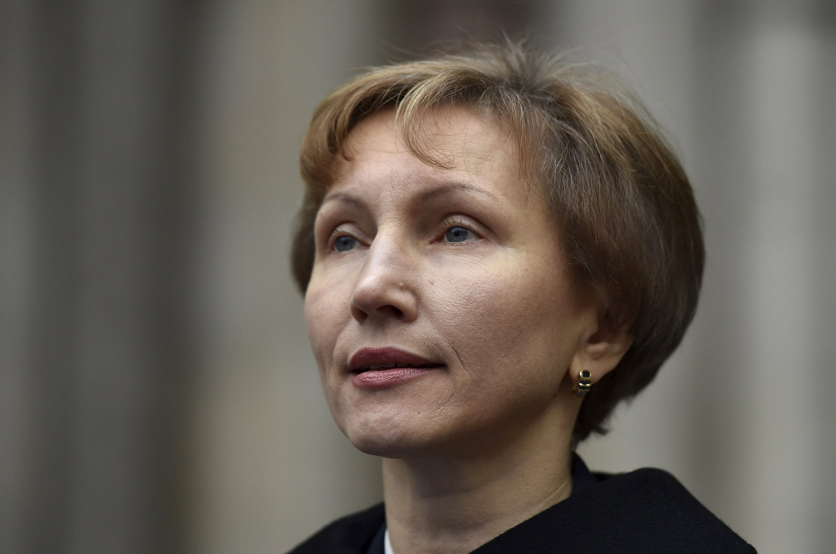 Marina Litvinenko speaks outside High Court