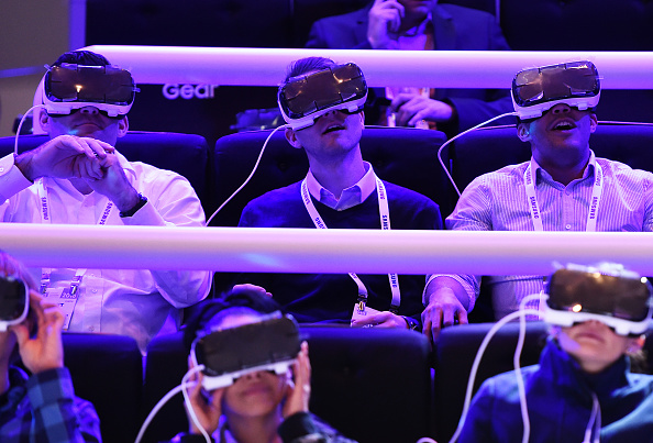 Samsung set to launch VR movie studio in New York