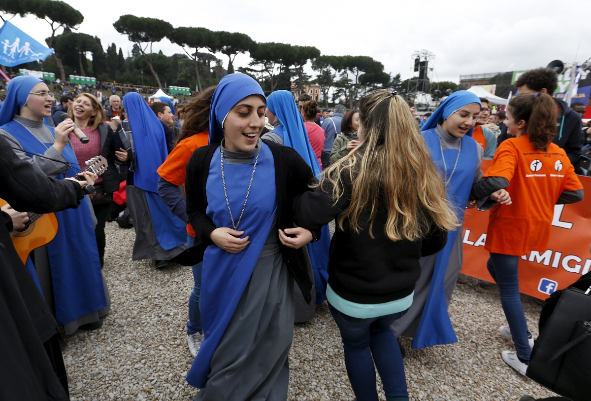 Mass rally in Rome against same-sex unions