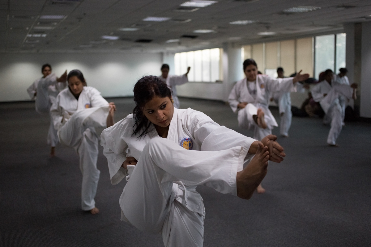 Indian women counter rape with martial arts training [Archive ...