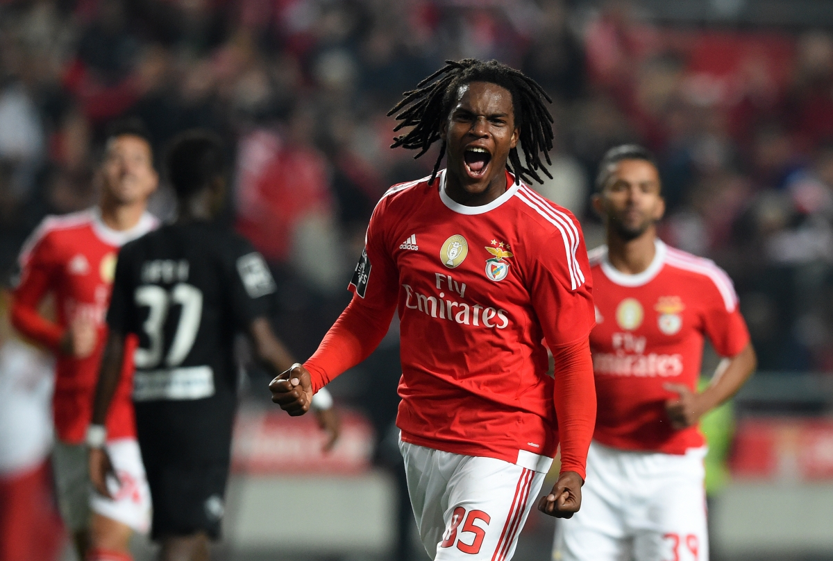 Bayern Munich beat Manchester United to Renato Sanches signing as