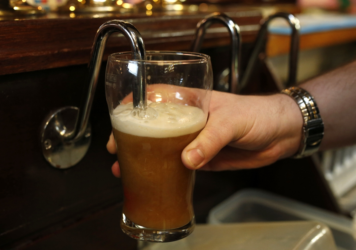 UK pub industry calls for cut in beer duty as sales decline by 114 million pints in 2015