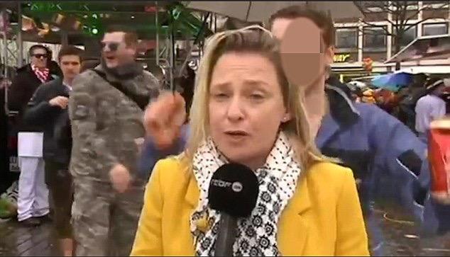 Borracho acosa sexualmente a reportera,