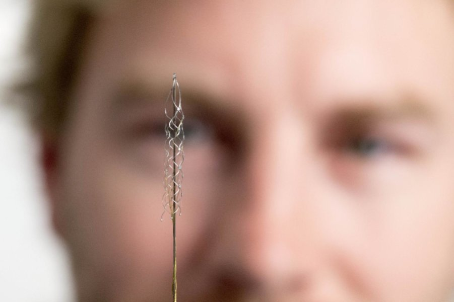 Brain implant to control bionic limbs