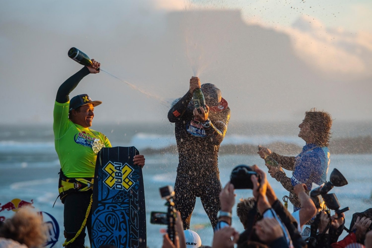 Aaron Hadlow wins King of the Air 2016 windsurfing title
