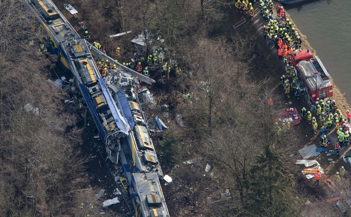 10 dead, two black box retrieved as Germany train crashed