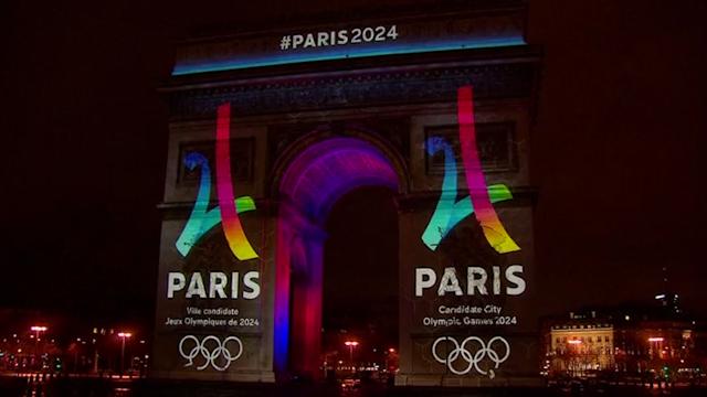 Paris illuminates Arc de Triomphe for big 2024 Olympic bid logo reveal