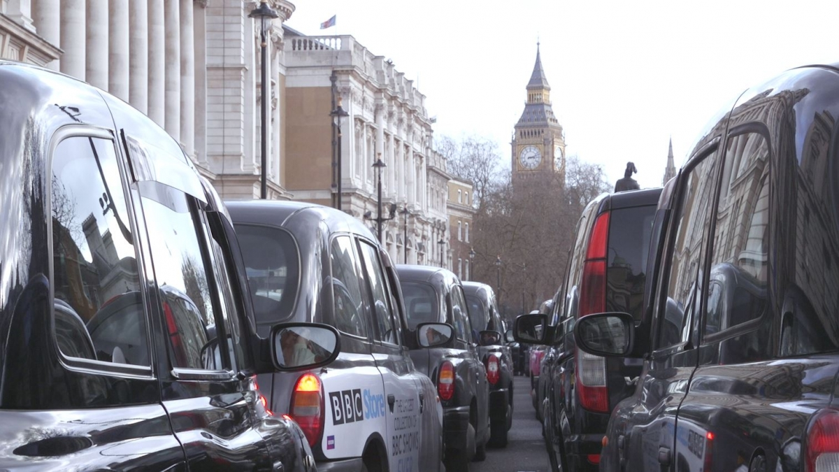London black cab protest: Watch thousands of drivers stage 'safety' protest in Whitehall
