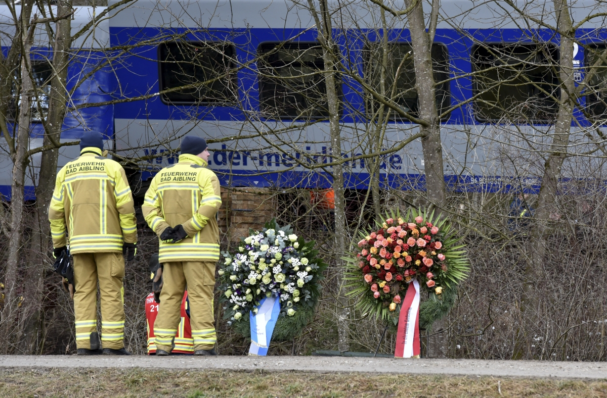 Bad Aibling train crash tributes