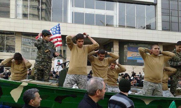 Iranians re-enact the arrest of US sailors