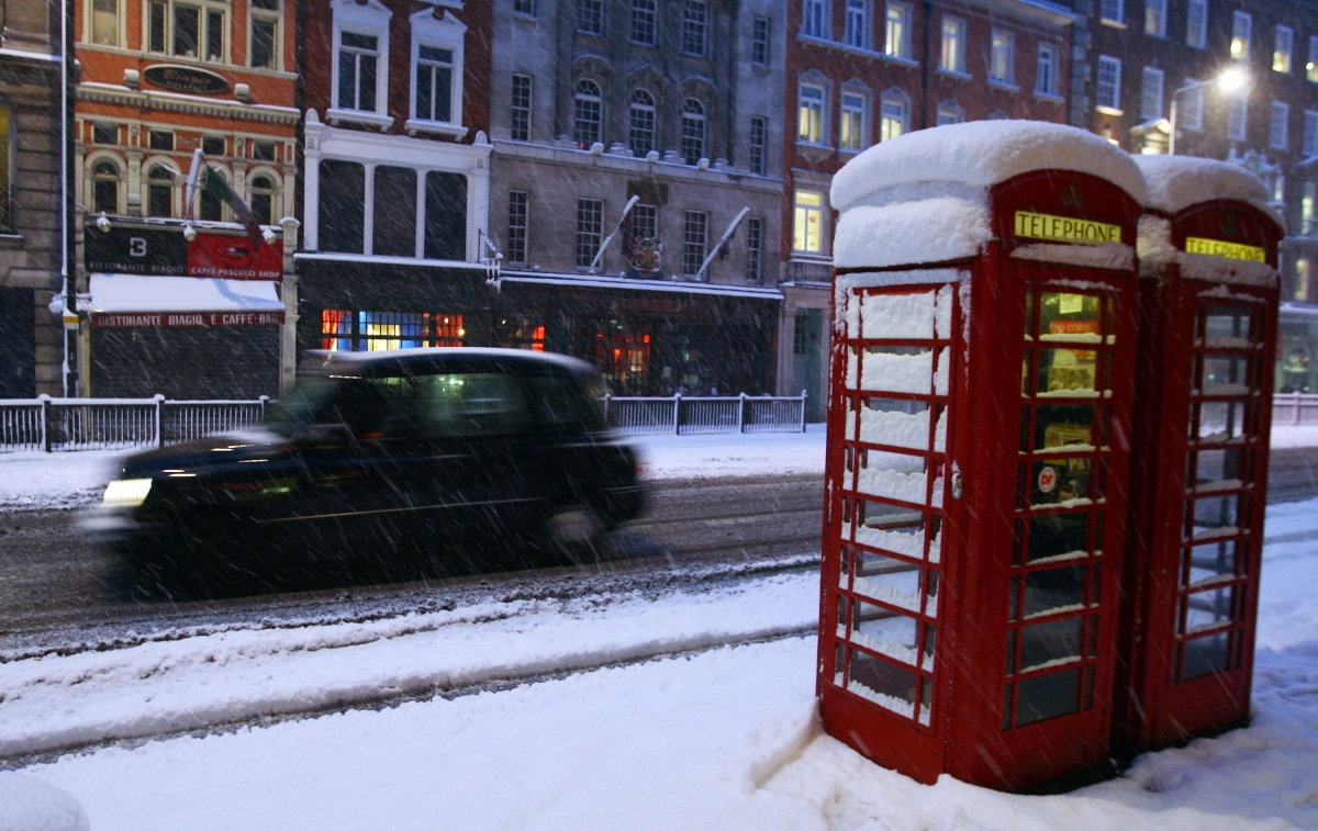 Snowfall in London