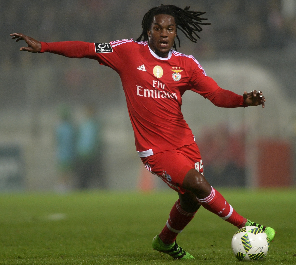 Manchester United send scouts to spy on Benfica starlet Renato