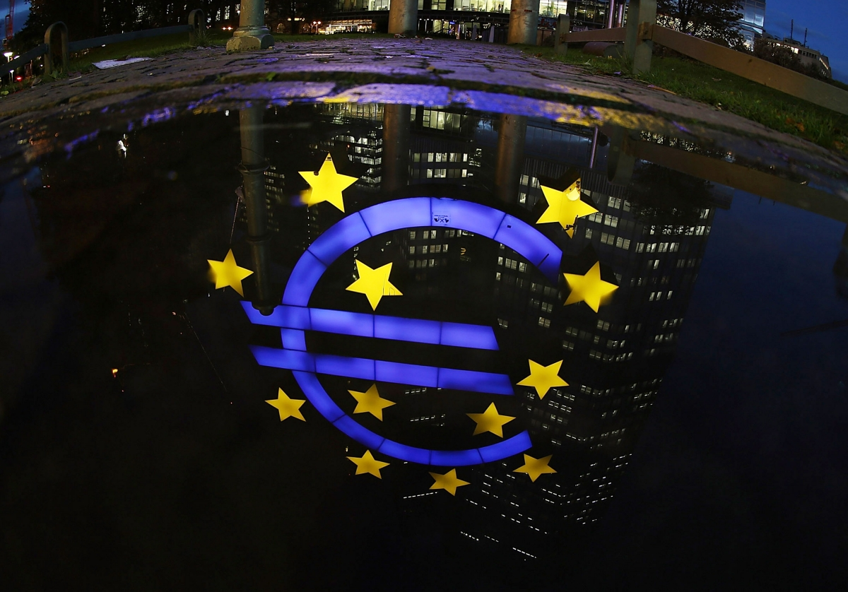 Swiss bank Credit Suisse warns the eurozone could collapse in case of a European recession