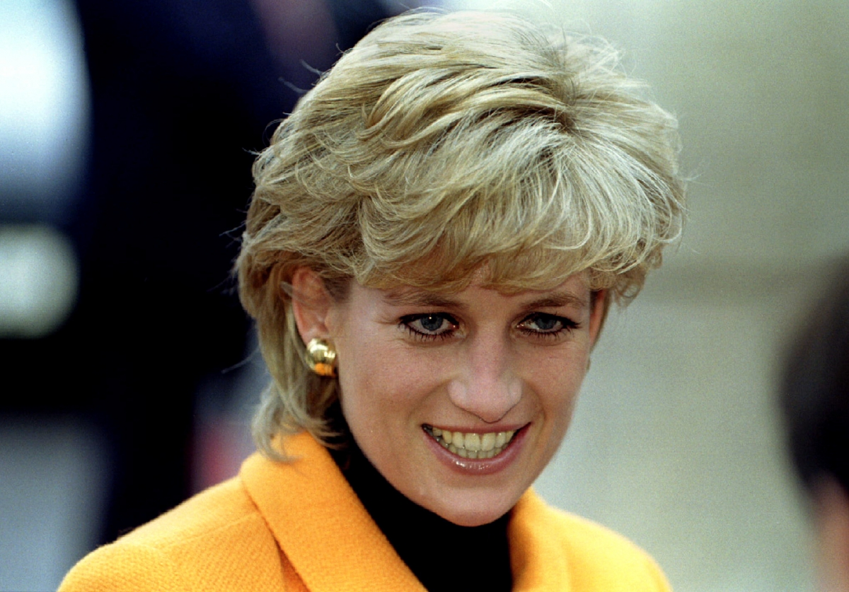 New princess diana memorial garden for london in early for Diana pics