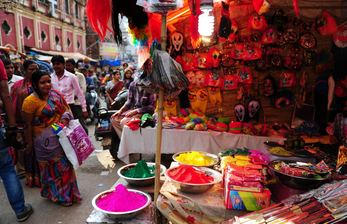 Calendar March 2017 : How to make holi powders celebrate the indian festival