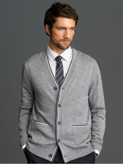 Banana Republic has perfected the art of dressing with our handsome collection of men's clothing. Our men's clothes is impeccably tailored and thoughtfully designed.
