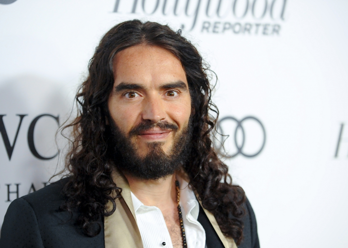 Russell Brand gets emotional about becoming father to a baby girl: 'I didn't want anyone near her'